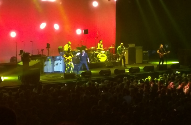 Cold Chisel live on stage - Sydney Entertainment Centre, 15 December 2015